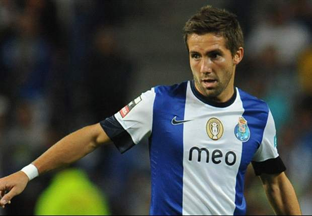 Moutinho set to stay with Porto