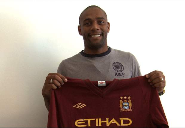 Maicon looking to make history with Manchester City