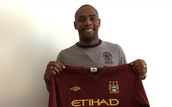 maicon sign manchester city