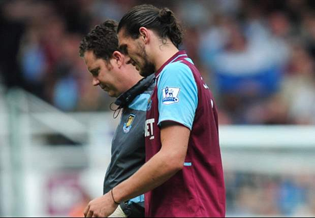Carroll injury blow mars West Ham debut