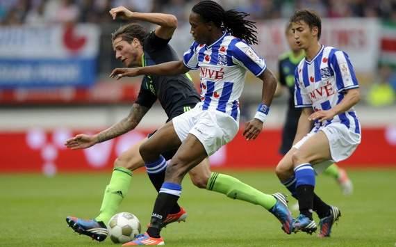 Mitchell Dijks vs. Arsenio Valpoort, sc Heerenveen - Ajax