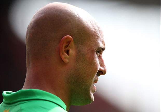 Liverpool keeper Reina to undergo tests on injury sustained in Spain warm-up