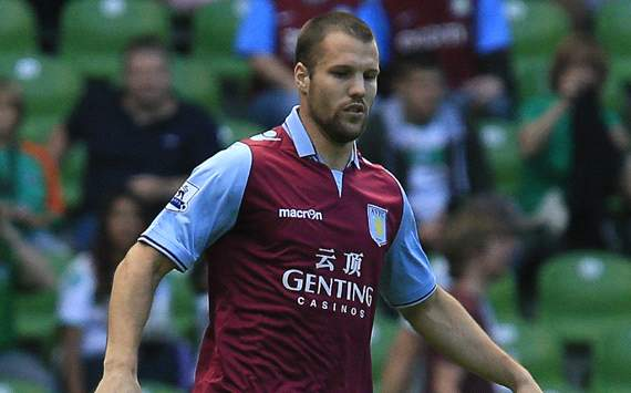Vlaar: I'm not afraid of Van Persie &amp; I'd never swap shirts at half-time