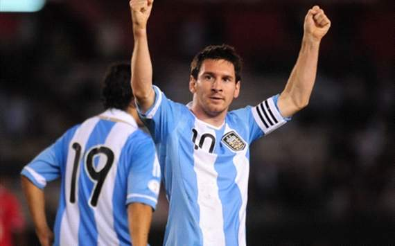 Messi praises Argentina fans following Paraguay victory