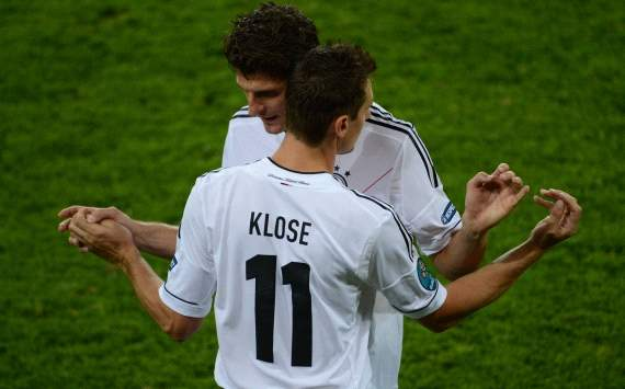 Where are Germany's alternatives to Gomez and Klose?