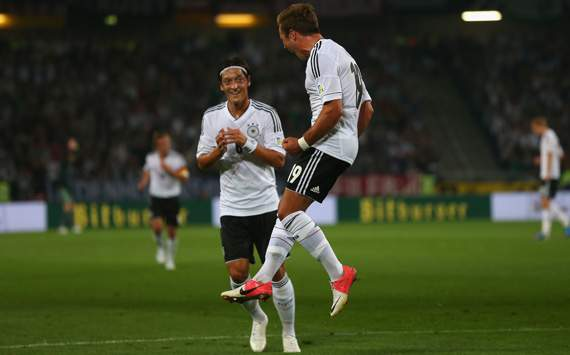 Germany v Faeroe Islands - FIFA 2014 World Cup Qualifier, Mesut zil und Mario Gtze