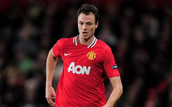 Jonny Evans Diragukan Tampil Lawan Newcastle United