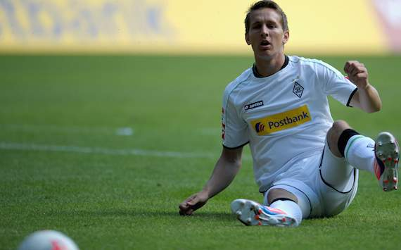 Luuk de Jong out for six weeks