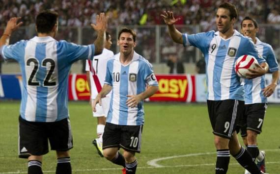 Higuain - gol a Perú