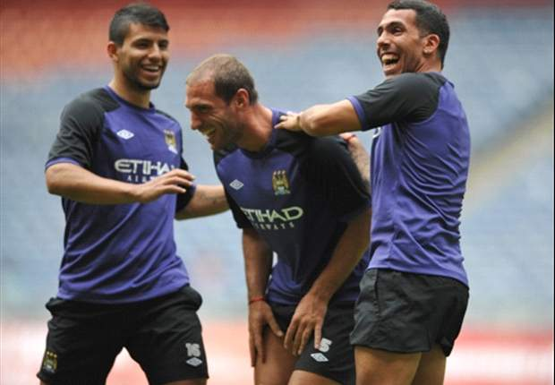 Aguero is still happy at Manchester City, says Zabaleta