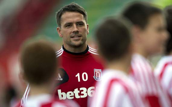 Michael Owen in talks over A-League move to Perth Glory