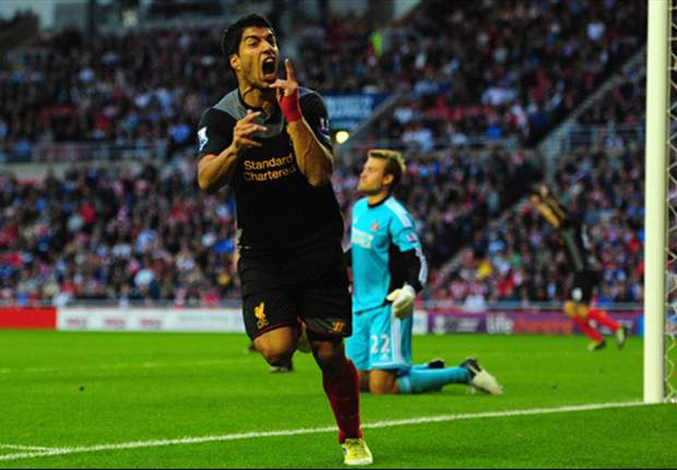 Rodgers defends 'outstanding' Suarez after booking for diving