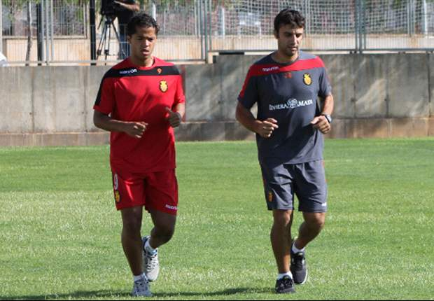 Mallorca holds Giovani dos Santos out of Valencia clash