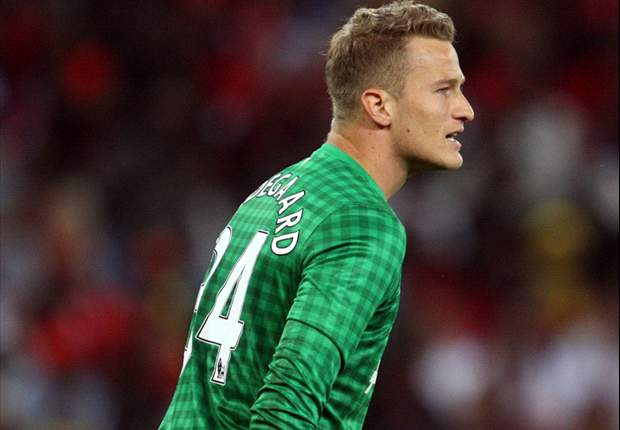 Lindegaard ruled out of Chelsea clash with thumb injury