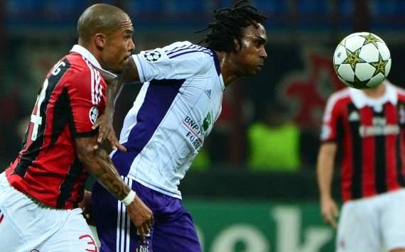 Nigel De Jong and Dieumerci Mbokani  - Ac Milan-Anderlecht