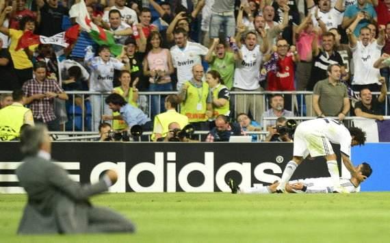Jose Mourinho celebrates Cristiano Ronaldo goal