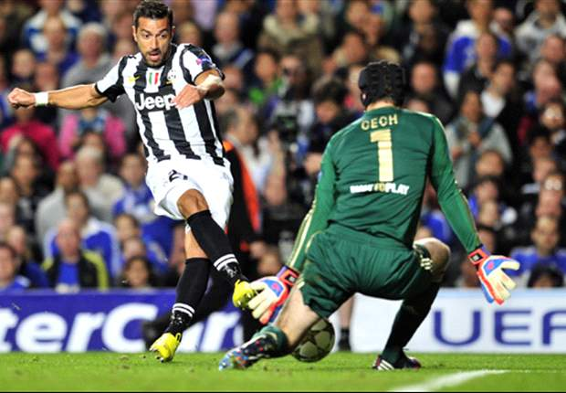 Juventus give Europe a glimmer of their capabilities by silencing the champions on their own turf
