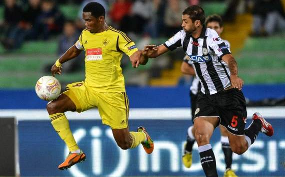 Samuel Eto'o marca y pone al Anzhi lder de la Liga en Rusia