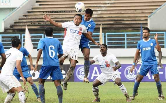 Action from the Dempo VS Lajong match