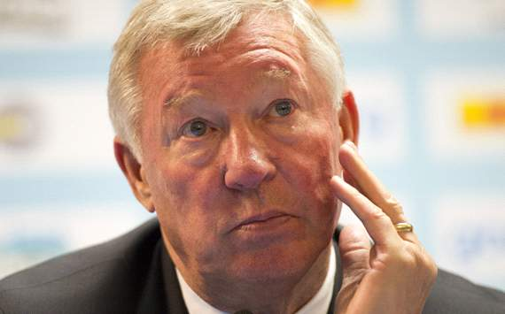Sir Alex Ferguson angered after Pearce reveals Jones injury