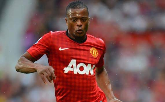 Patrice Evra Sanggah Rumor Paris Saint-Germain
