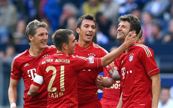 FC Schalke 04 v FC Bayern Mnchen:  Bastian Schweinsteiger, Philipp Lahm, Mario Mandzukic &amp; Thomas Mller
