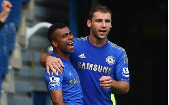 Ashley Cole targeting retention of top spot after Chelsea victory over Stoke