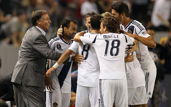 Bruce Arena, Juninho; Los Angeles Galaxy