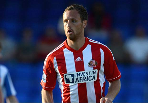 Sunderland midfielder Meyler joins Hull City on loan