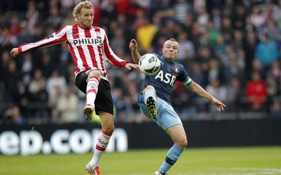 Feyenoord open contract talks with Clasie