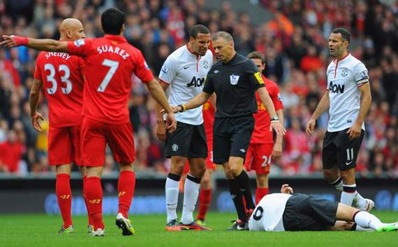 EPL - Liverpool vs Manchester United, Rio Ferdinand, Mark Halsey & Jonjo