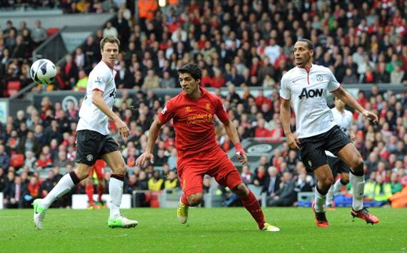 EPL - Liverpool v Manchester United, Evans, Luis Suarez - Rio Ferdinand