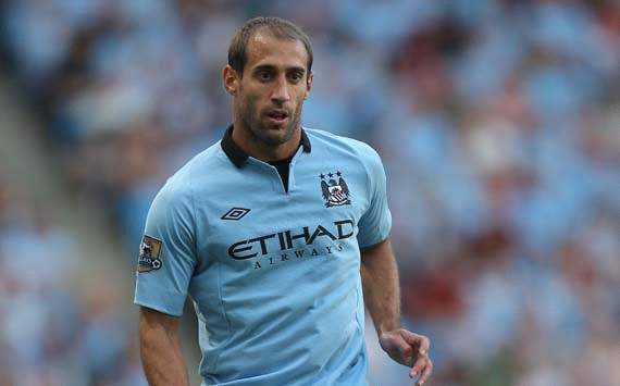 Zabaleta believes league leaders Manchester United can be caught