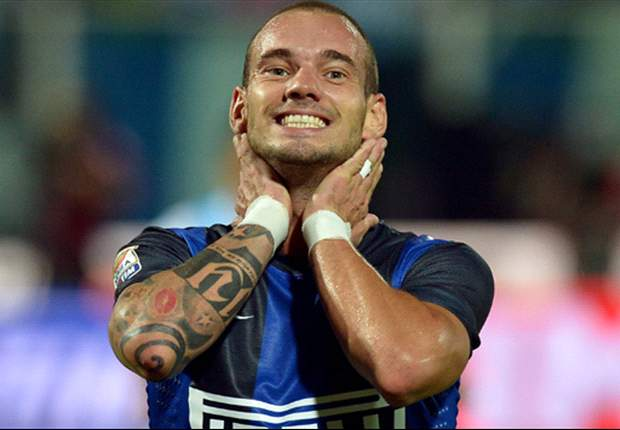 Should Wesley Sneijder sign for Galatasaray?