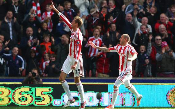 Tony Pulis: Me hubiera gustado un hat-trick de Crouch