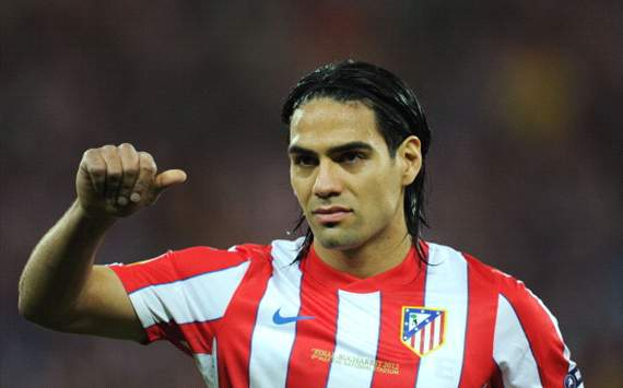 Atletico Madrid striker Falcao resumes training