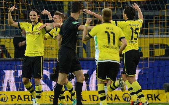 Neven Subotic celebrating, Dortmund gegen Gladbach