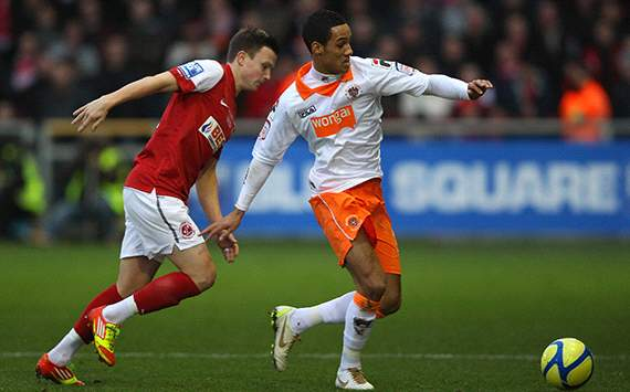 Ferguson steps up Manchester United's £5 million Tom Ince pursuit