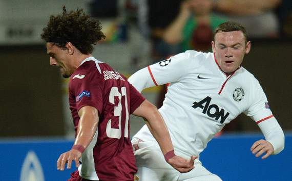 UEFA CL, Cluj v Manchester United, Wayne Rooney, Matias Aguirregaray