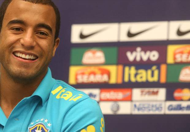 Lucas Moura: Leonardo convinced me to reject Manchester United and join PSG