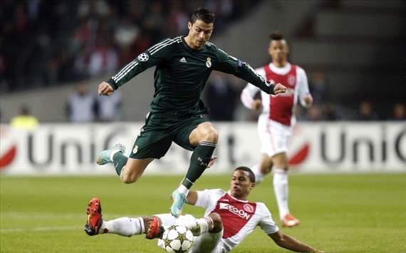 Cristiano Ronaldo vs Ricardo van Rhijn, Ajax - Real Madrid