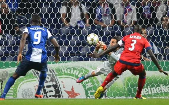 Champions League : Jackson Martinez vs Mamadou Sakho & Salvatore Sirigu (FC Porto vs Paris SG)