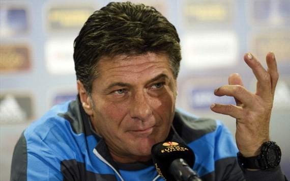 Napoli cannot compete on all fronts, admits Mazzarri