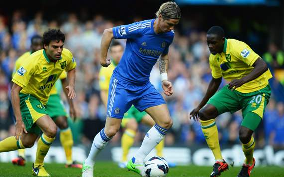 EPL - Chelsea v Norwich City, Fernando Torres, Javier Garrido and  Leon Barnett