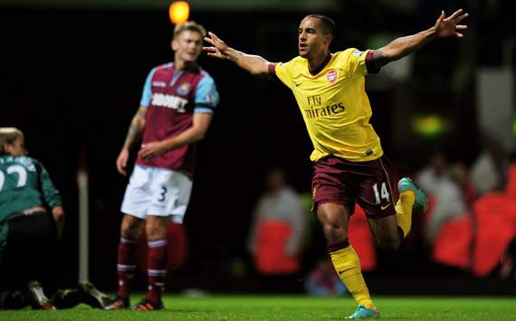 Walcott takes centre stage for Arsenal to prove himself a worthy leading man