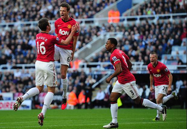 Sir Alex Ferguson hails Jonny Evans' added 'authority' at Manchester United
