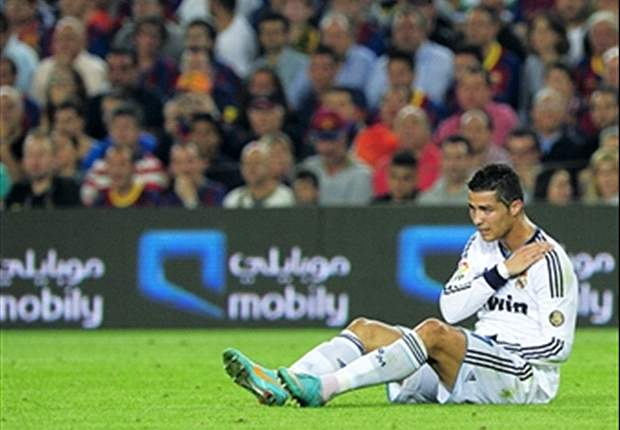 Ronaldo sprains his shoulder in draw at Barcelona