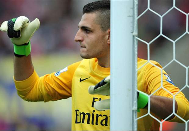Arsenal goalkeeper Vito Mannone targeted by Napoli