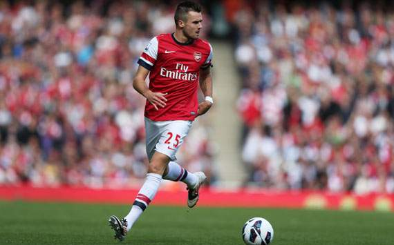 Jenkinson has potential to be a top player, says Arsenal legend Lee Dixon