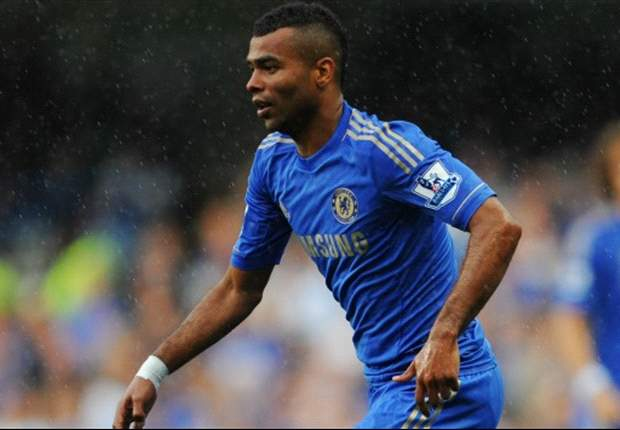 Ashley Cole Akan Berkostum Manchester United?